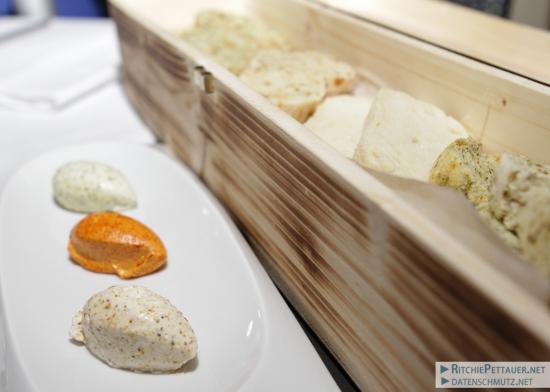 Verschiedene Brot- und Buttervariationen
