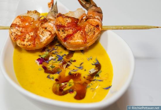 Bali - Limetten – Curry – Schaumsüppchen mit gebratenen Garnelen